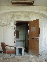 P6290299 (Blue Taco) Tags: urbandecay urbanexploration abandonedhospital thingsleftbehind