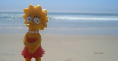 Lisa at the Beach (Srch) Tags: beach lisa thesimpsons tijuana playasdetijuana lisasimpson lossimpsons tijuanabeach
