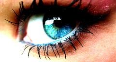 obsession. (maseguardoilmondoatestaingiu) Tags: light eye look colorful foto looking blu makeup obsession sguardo azzurro occhio ocio debora lorenzi trucco osservare obsessions modificata yeu rimmel photoshiop phorography osservo osservando dblph