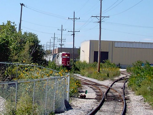 Spotting cars on insustrial factory spur sidings. Bensenville Illinois. September 2007. by Eddie from Chicago