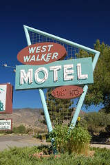 20080911 West Walker Motel
