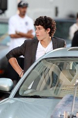 nick filming 3D movie (kristy's first flickr account) Tags: show new tv kevin brothers nick joe jonas filming