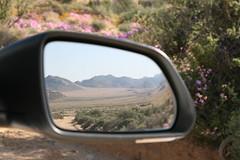 Goegap (Roelie Wilms) Tags: spiegel loveit carmirror namaqualand autospiegel namakwaland goegap loveitneverflood