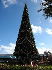 Christmas Tree (disneylori) Tags: christmas christmastree disney disneyworld christmasdecorations wdw waltdisneyworld magickingdom canonpowershota610