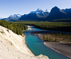 Icefields Parkway (mahonyweb) Tags: travel mountain lake holiday canada interestingness interesting explore alberta jaspernationalpark continentaldivide lightroom banffnationalpark icefieldsparkway canadianrockies canon1740l top500 flickrexplore highway93 rockflour magicdonkey promenadedesglaciers canoneos1dsmarkiii canon1dsmarkiii