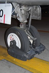 Boeing 717 / MD95, Midwest, nose gear (wbaiv) Tags: from plane airplane flying factory aircraft machine rest boeing douglas smaller length 717 kcmo mcdonnell fuselage kansascitymo moderate boeing717 midwestairlines md95 ai2007 midwest717 airlinersinternational brownne
