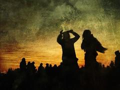 Bailando Cueca (Lepetitmorty) Tags: chile santiago contraluz gente ps siluetas baile mikol cueca tokata
