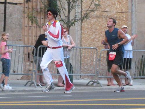 Elvis in the Chicago Marathon