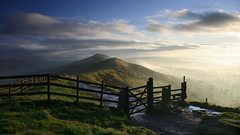 Mam Tor Sunrise 4 (Kris.B.) Tags: morning sky clouds sunrise fence gate peakdistrict hills valley stile mamtor losehill polariser canonefs1785mmf456isusm ndgrad