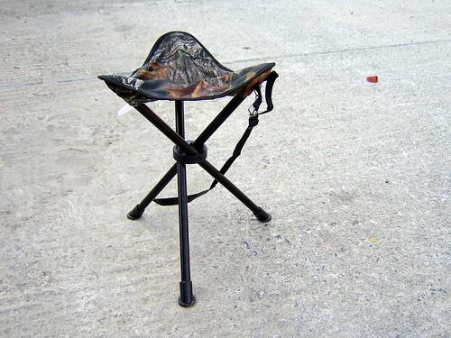 Lleva una silla portátil al tomar fotos en exteriores