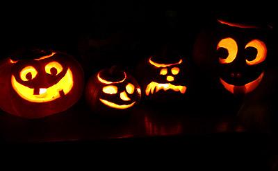 GlowingPumpkins
