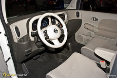 2008 NE Auto Show: Nissan Cube Interior (Zane Merva - AutoInsane.com) Tags: auto show new england nissan display interior highlights event cube press 2008 370z zanemerva autoinsane