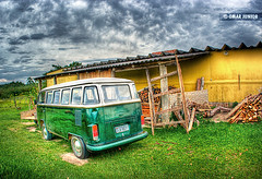Kombi, Cambar Tur | HDR (Omar Junior) Tags: reflection verde green car volkswagen geotagged ride portoalegre porto grama carro alegre mapping poa caminhos rs reflexo madeira tone hdr kombi lami mapped rgs cambar haras rurais zonarural caminhosrurais geo:lat=30203004 geo:lon=51084623 cambaratur