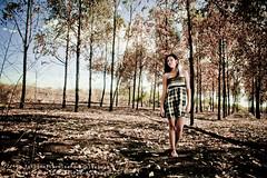 la batalla de Roxy (pedrollobet) Tags: hojas arboles venezuela flash bolivar creepy vestido strobe ramas guayana viaexpresa caroni deforestacion quemazon angosturita pedrollobet vegetacionmuerta roxycorales rosanacorales