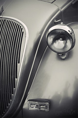 The Eye (Aliraza Khatri) Tags: old light blackandwhite eye vintagecar shades selective vinatge gettyimagespakistanq2