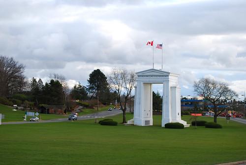 34-Peace Arch Canada