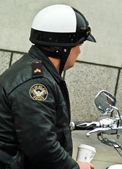 Atlanta Motor Patrol Officer (Lil Wally) Tags: atlanta coffee bike ga helmet police harley starbucks cop motorcycle lawenforcemnet