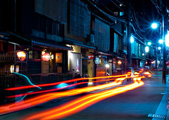 Street in Gion, Kyoto (.Hessam) Tags: japan night kyoto gion teahouse hanamikoji