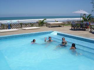 Ecuador-beach-preoprty-pool