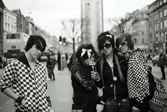 Emo Dublin 4 (MacGBeing) Tags: ireland portrait bw dublin slr fashion contrast pose blackwhite cool punk emo streetphotography teens highcontrast style shades spire attitude posers trend groupportrait bows canoneos5 stylish hoodies oconnellstreet streetfashion ilfordxp2400 filmphotography emokids irishboys irishgirls emoboys 50mmf18ii emogirls teenstyle emoteens emodublin emoireland coolemo bwemo emoinblackandwhite irishemo emoirish