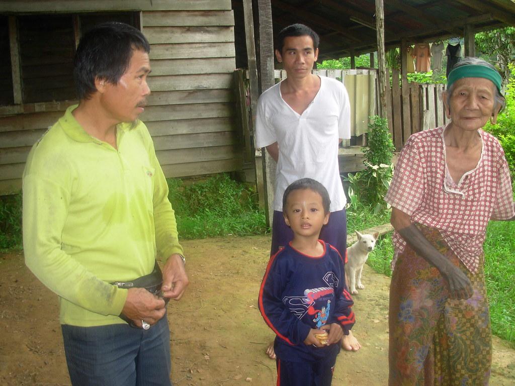 Sarawak-Belaga-LHouses (218)
