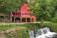 Hodgson Mill (Uncle Phooey) Tags: mill rural country scenic mo explore missouri ozarks hodgson hodgsonmill ozarkcountymissouri hodgsonwatermill rubyphotographer unclephooey hodgsonspring scenicmissouri