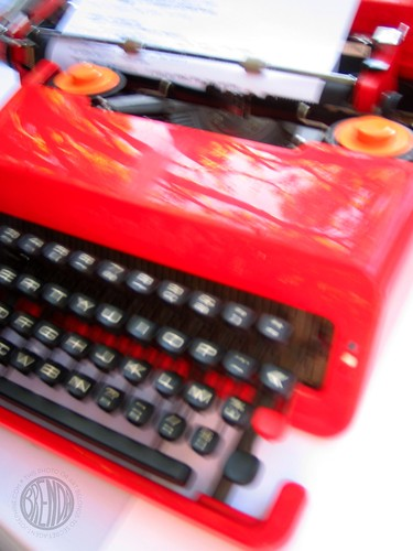 very very cool red typewriter