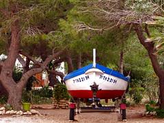 Motor- und Ruderboot ... (Martin Volpert) Tags: boot spain catalonia catalunya espagne spanien catalogna katalonien catalogne lametllademar lestany ruderboot mavo43 platjalestany