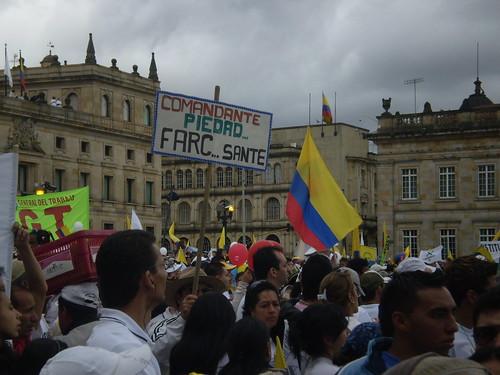 """Marcha 20 de julio - """"Comandante Piedad... FARC.. sante"""""""