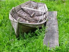 Forlatt bt -|- Misplaced boat (erlingsi) Tags: old green norway boat norge interestingness decay personalfav noruega gras grime oc gress derelict bt stryn robt noorwegen noreg gammel planke grnt |||||| erlingsivertsen decadncia forfall aestheticsofdecay kystkultur kulturminne forfallent top30winner  forfallen erlingsivertsen