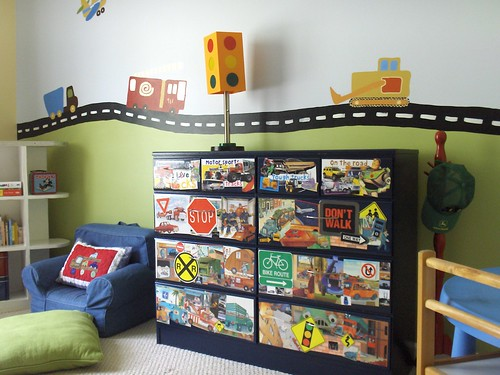 The mural is based on the PBK Transportation themed bedding.
