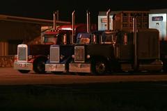 Waiting Trucks (Marvin Bredel) Tags: oklahoma night truck lowlight noflash okarche cattletruck marvin908 marvinbredel