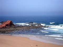 2+2=? (Gustty) Tags: ocean blue sea praia beach portugal water gua azul mar sand areia atlantic gustavo algarve radiohead oceano 225 atlantico sagres gustty pontaruiva verssimo gustavoverssimo wwwflickrcomphotosgustty