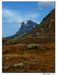 Colores de Otoo y Midi D'Ossau (Goam) Tags: paisajes naturaleza mountains nature landscapes spain huesca natura pyrenees montaas pirineos pyrenean aragn fotoclubpirineos