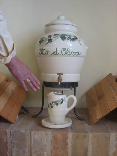 Olive oil urn_0008