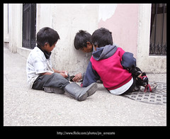 Niños374 (-Karonte-) Tags: childs childrens chiapas sancristobal niñosindigenas nikoncoolpix8700 coolpix8700 indigenouschildren indigenaschiapas josemanuelarrazate