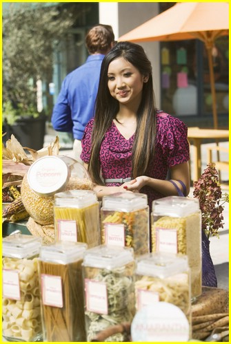 brenda-song-pass-the-plate-11