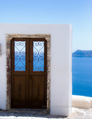 Doorway to heaven (Dosha) Tags: santorini greece oia mytravels nikond80 alwaysexc