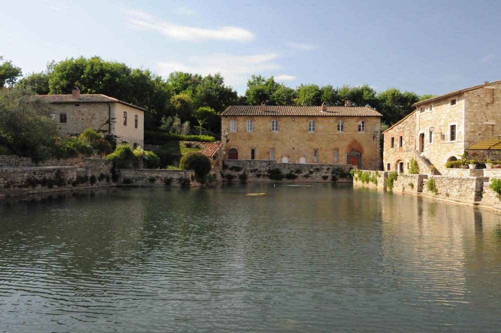 Путешествие по Тоскане bagno vignoni и abbazia di san galgano