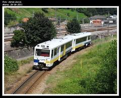 Homenaje a una gran serie (Adry440) Tags: espaa train tren trenes spain railway asturias trains railways mieres especial apolo ferrocarriles ferrocarril homenaje feve 2400 2426 ffcc 2476 collanzo 26062011