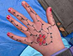 hand ( - s  ) Tags: flower child hand drawing kind bloem handkasteel tekenen handcastle