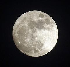 MOON!!! (jhhwild) Tags: moon full naturesfinest