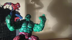 Spiderman vs. Hulk 4 (RastaRiz) Tags: toy fight spiderman battle hulk figures toybiz hulkbuster