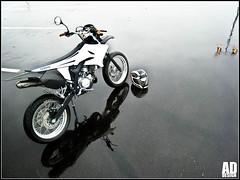 Rollin' on water / Yamaha DT by addesign (Antonin Douard) Tags: bike race honda cross run supermoto 600 yamaha suzuki 50 grip ducati yz dt kawasaki enduro 125 supermotard z1000 addesign