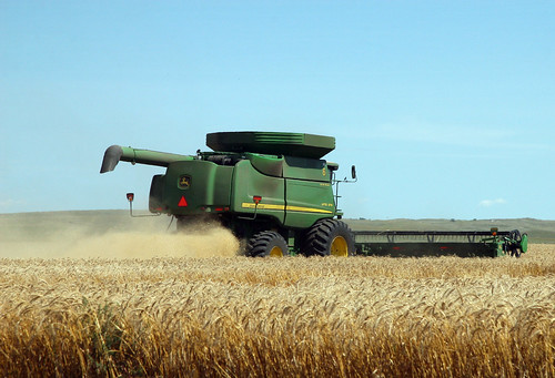 John Deere Combine by SnoShuu, on Flickr