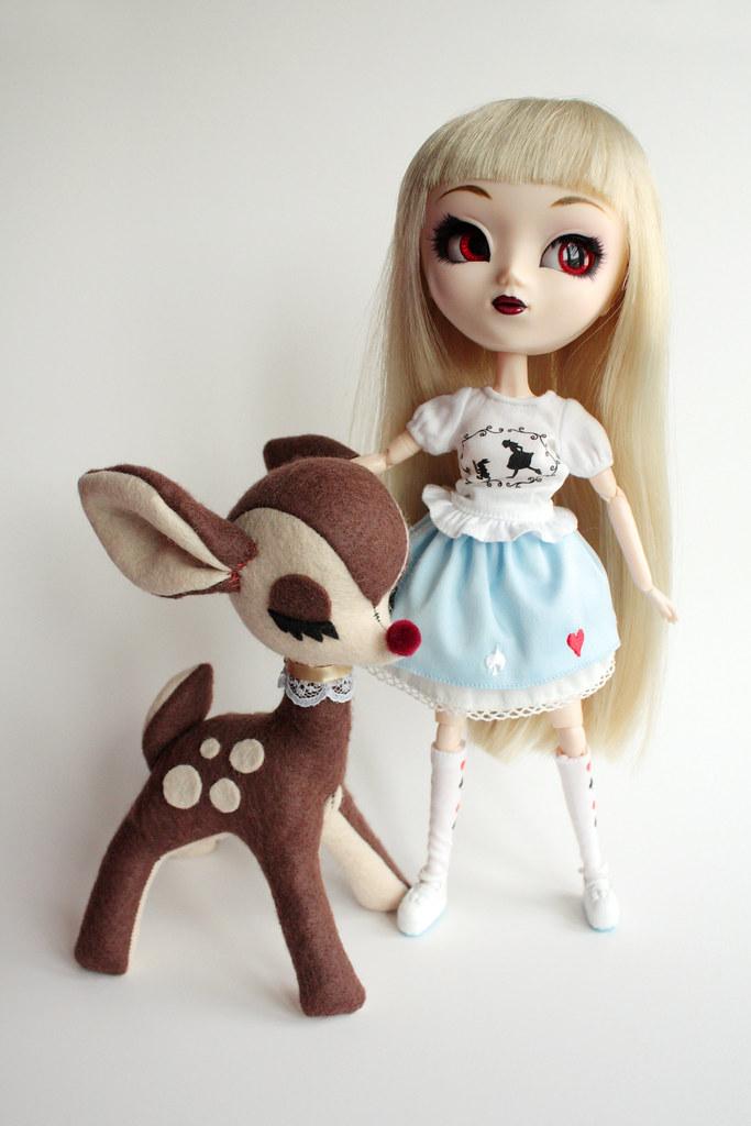 Plush Deer & Pullip size comparison