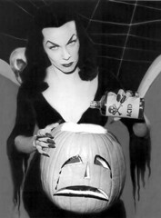 vampira (by hastingsgraham)
