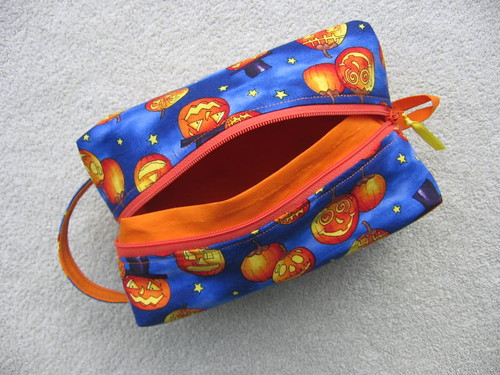 Box bag, open