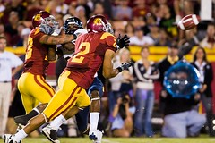 Taylor Mays interception (Eric Wolfe) Tags: california usa college sports berkeley losangeles football unitedstates cal coliseum universityofsoutherncalifornia ncaa usctrojans pac10 interception californiabears taylormays original:filename=20081108167jpg