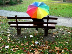 Rainy Day (summerfeelings) Tags: park autumn colors rain colorful laub herbst wiese bank rainy bltter regen bunt regenschirm schirm herbstzeit